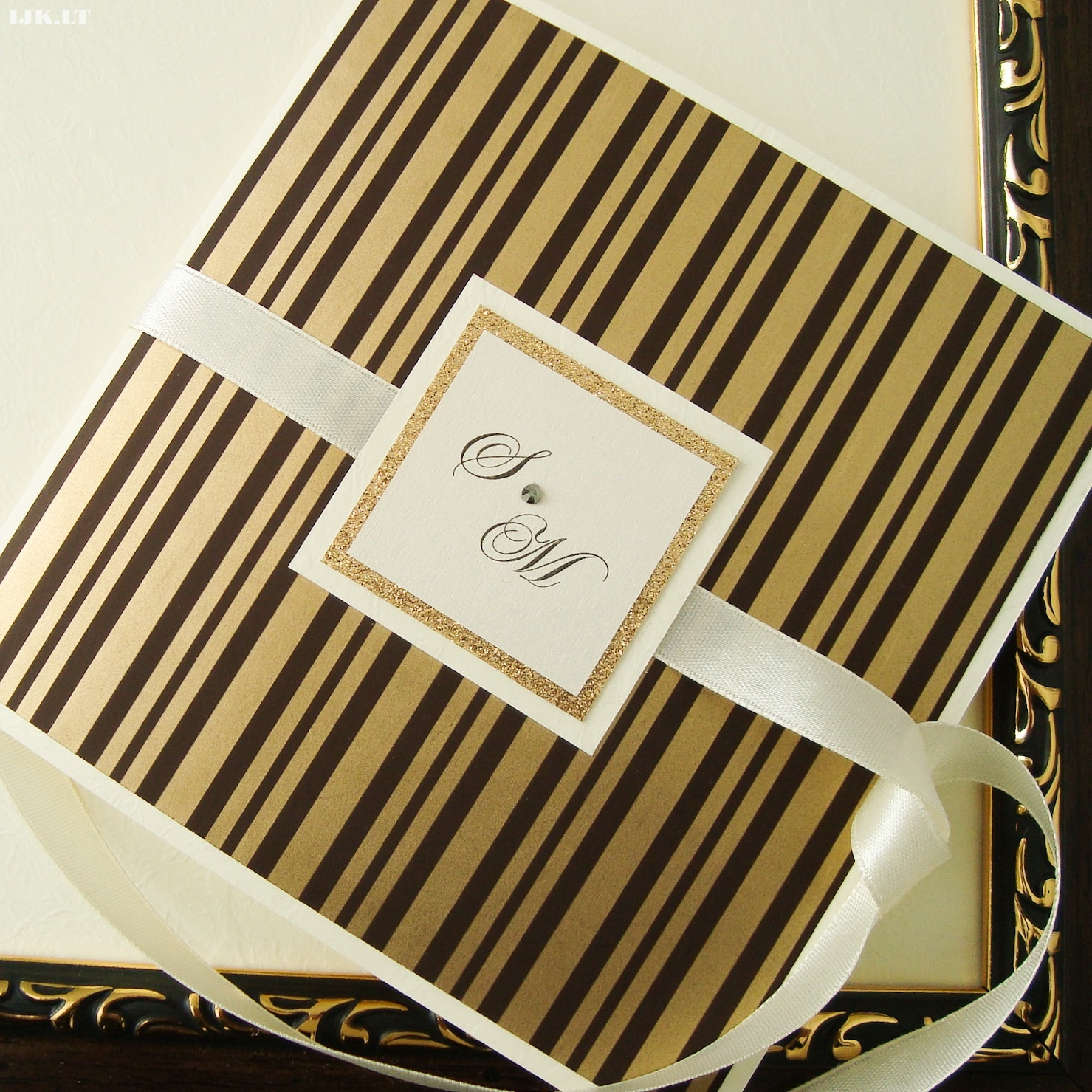 Invitation wedding, baptism, anniversary, luxurious, gold, brown, stripes