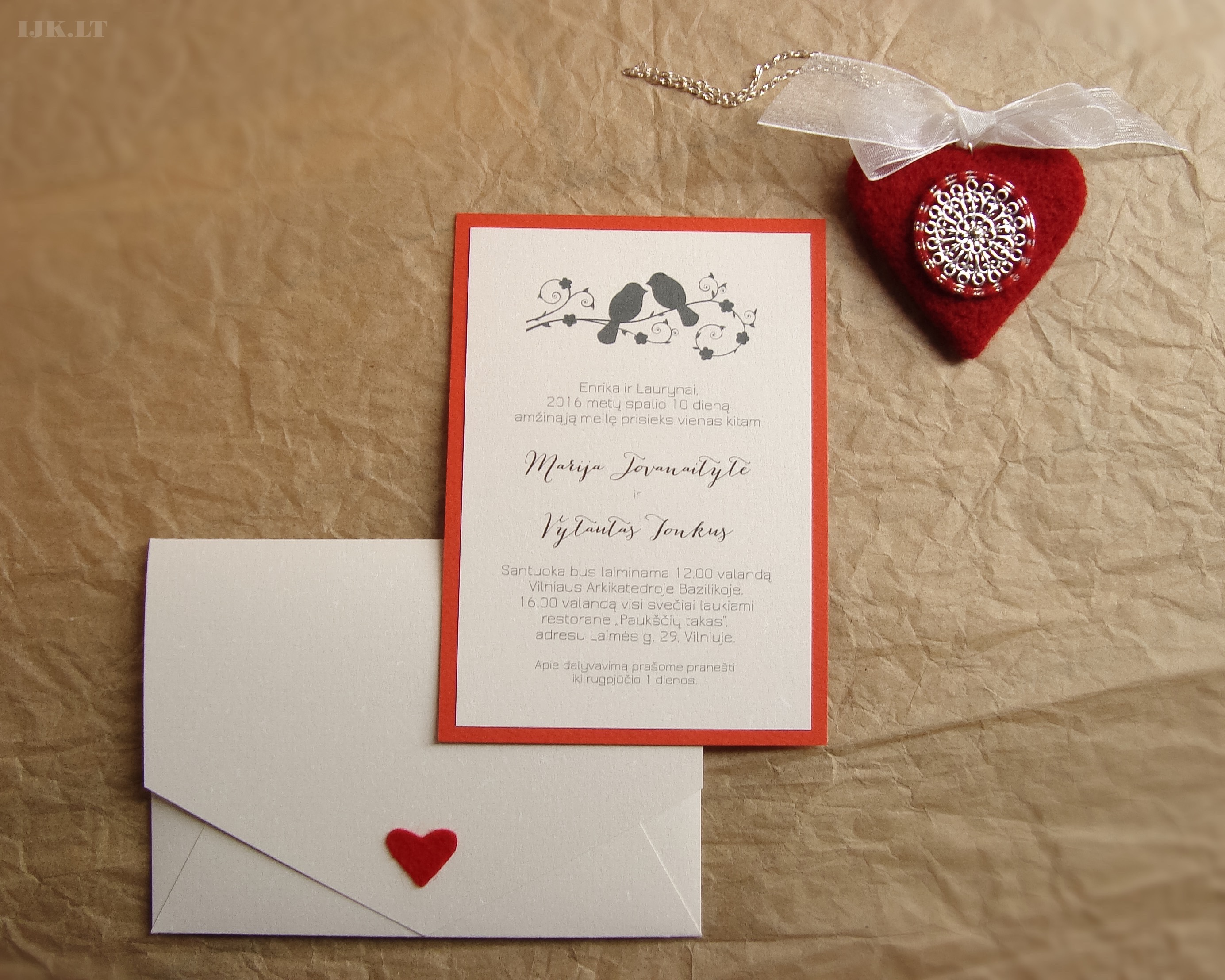 Wedding invitations, off-white, natural, recycled, eco friendly, red, birds, heart, envelope
